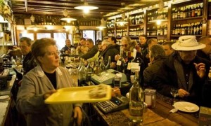 Always full, the best place in Venice pre-dinner?